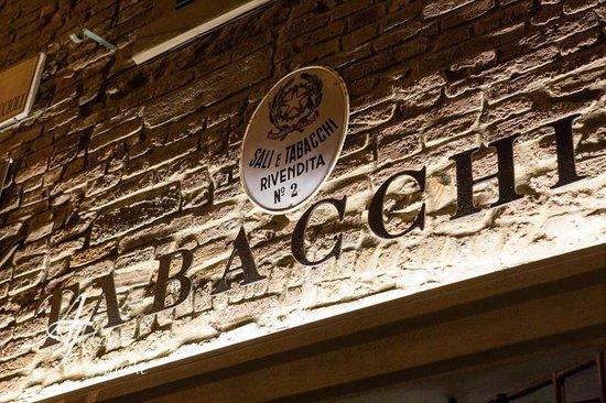 Peccioli, إيطاليا: INSEGNA