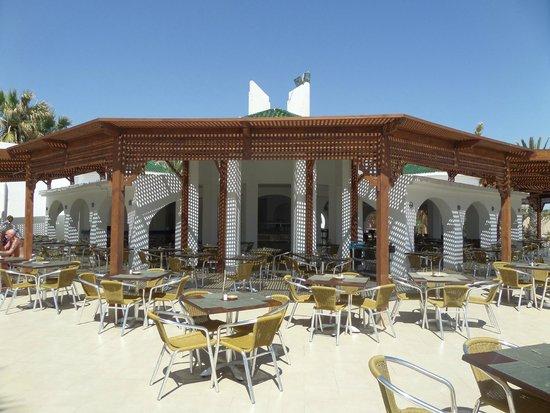 Marhaba Palace Hotel: Beach Restaurant