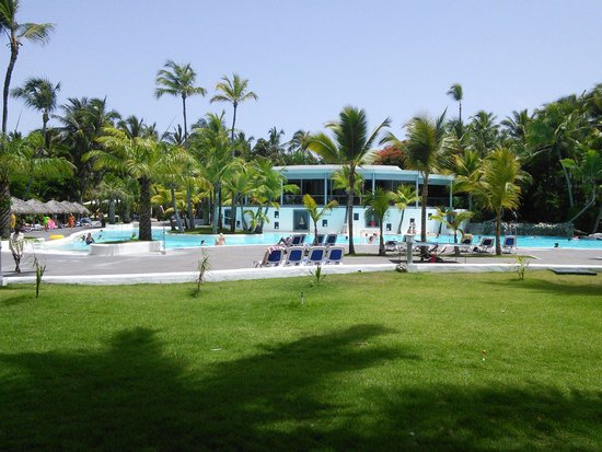 Hotel Riu Naiboa: frente a área da piscina