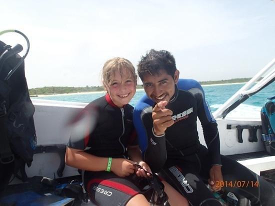 Viva Wyndham Maya: Victor teaching my dauther to dive !