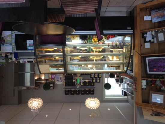 Les Delices de Josephine: Pastry showcase