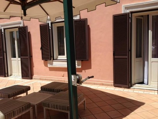Rome Marriott Grand Hotel Flora : Our private patio