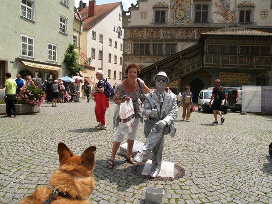 Altes Rathaus: Levend standbeeld  (gaaf)