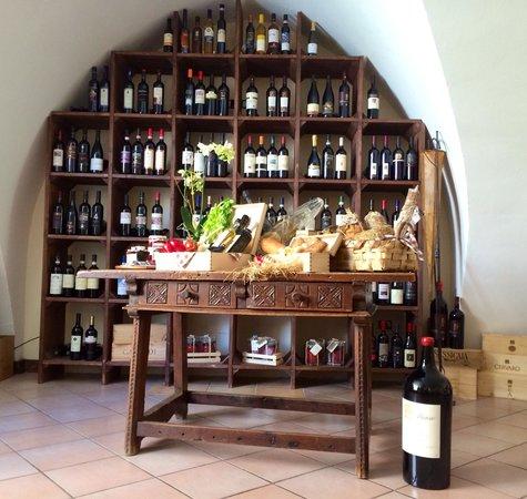 Enotavola - Wine bar - Palazzo della Marra : Best wine in Palazzo della Marra
