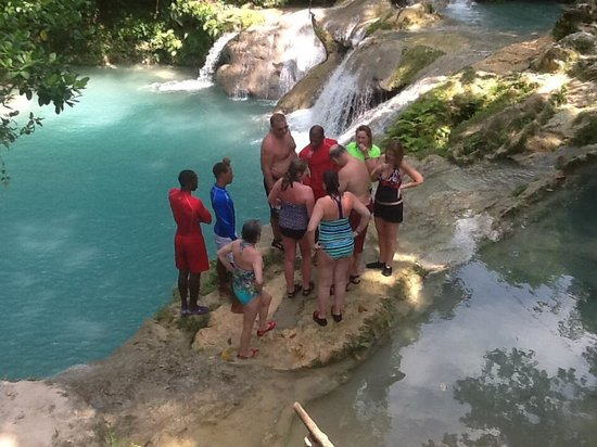 Dudley's Big Ship Taxi and Tours: Blue Hole Ocho Rios