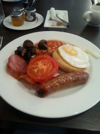 The Winchester Hotel & spa: Breakfast
