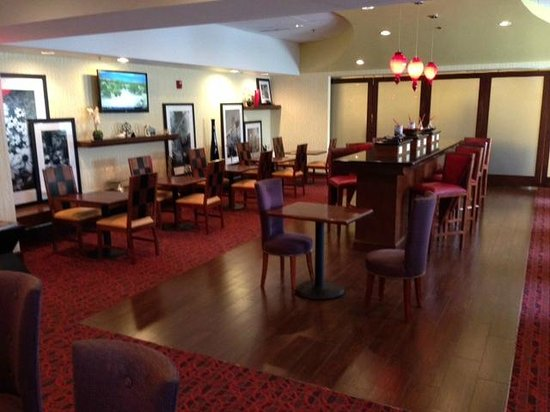 Hampton Inn Richmond-Airport : Lobby/breakfast room