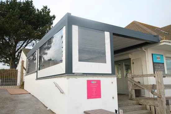 The Beach Hut Cafe : Our awning