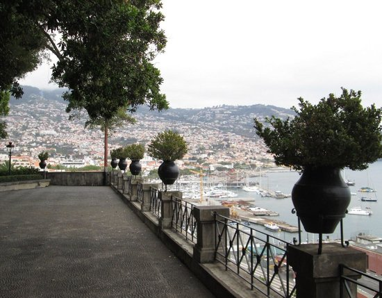 Presidential Palace Garden : View to the harbour