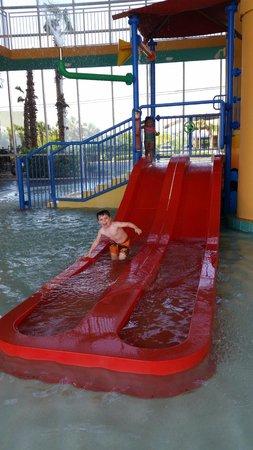 Splash Resort Condominiums: splash pad area