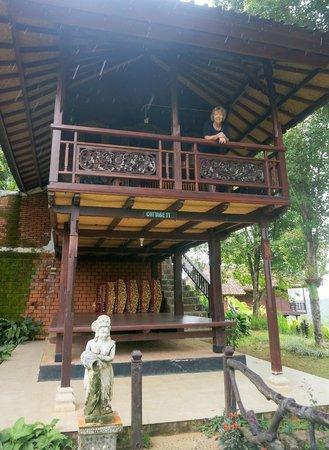 Manah Liang Bungalow : Bungalow Balcony
