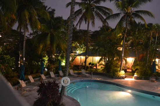 Rendezvous Resort : Pool at night