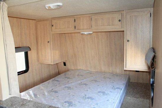 Yogi Bear's Jellystone Park and Camp-Resort Toronto: Trailer Rental - interior