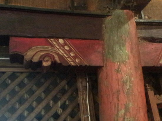 1730 Jesuit House: Detail of the Chinese carving found all over the house