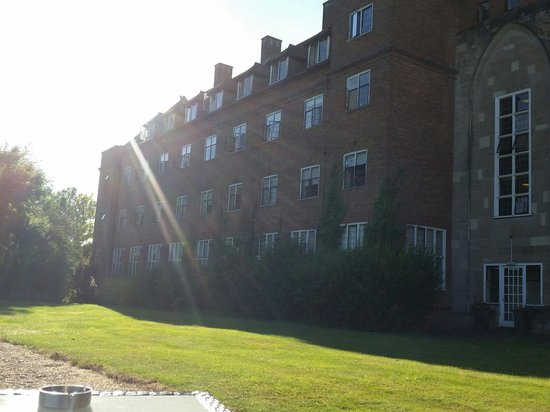 Studley Castle Hotel and Conference Centre: Very sunny