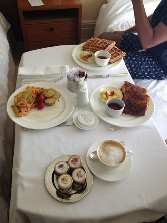 Grand Hyatt Istanbul: Breakfast-Room service