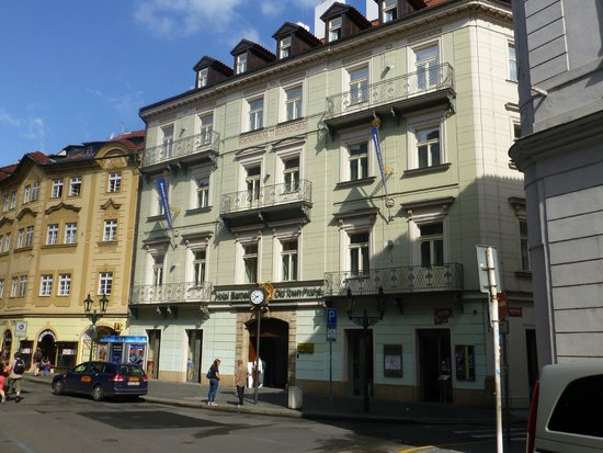 Barcelo Old Town Praha: The hotel seen from the street outside