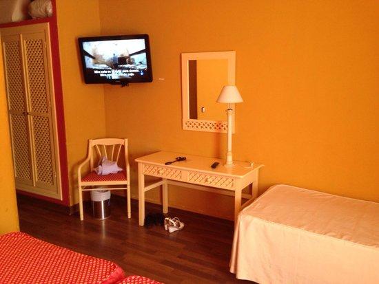 Carabela Beach & Golf Hotel: Quarto triplo