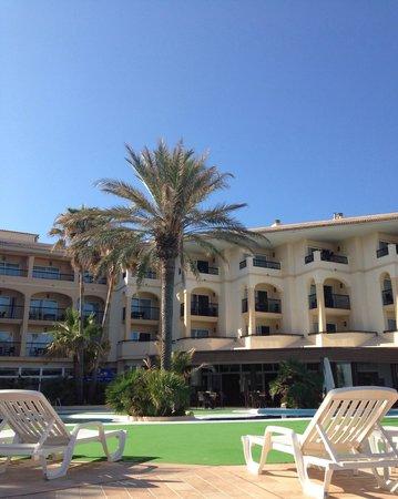 Blau Park Aparthotel: Pool area
