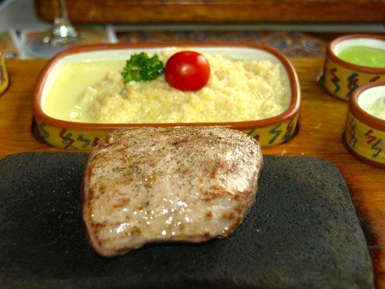 Zig Zag Restaurant: Alpaka op steengrill