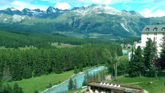Grand Hotel Kronenhof : Engadin view
