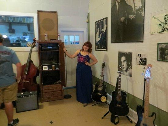 Sun Studio : Sun Recording studio and our execellent tour guide
