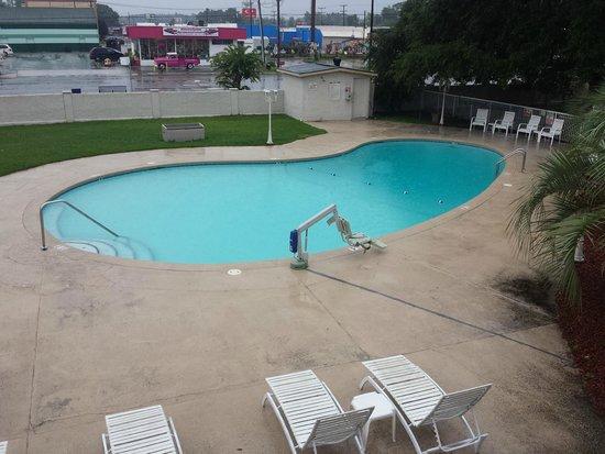 Motel 6 Jacksonville: Pool
