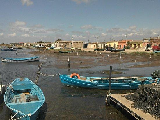 Arbus, Italy: Barche nel porticciolo dei pescatori