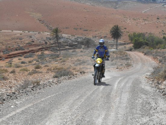 Backtrax Off Road Motorcycle Tours: Fizzing along..