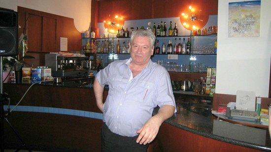Hotel Saponi: Franco, le patron...