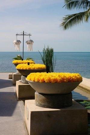 Pavilion Samui Villas & Resort: Restaurant Access