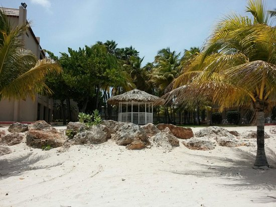 Sunscape Curaçao Resort Spa & Casino: The gazebo from the beach