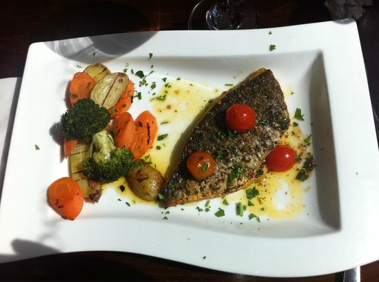 Olive & Thyme: Main dish: Sea-bream with Mediterranean vegetables