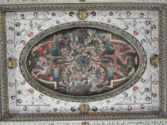 castello estense - soffitto affrescato