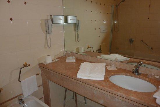Hotel Antonella: Salle de bain
