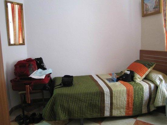 Hostal Colon: schmales Bett