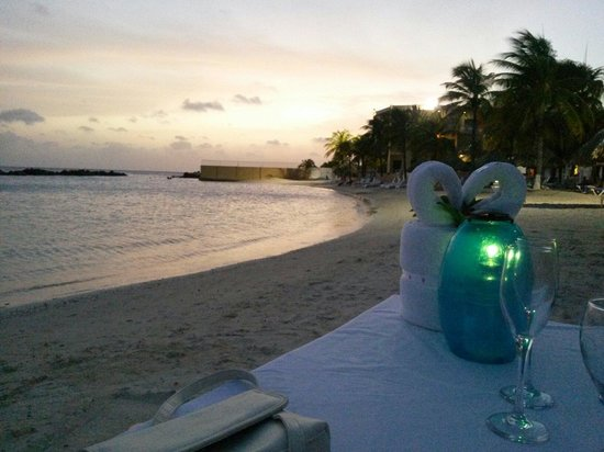 Sunscape Curaçao Resort Spa & Casino: View while having the romantic dinner on the beach (available @ extra $)