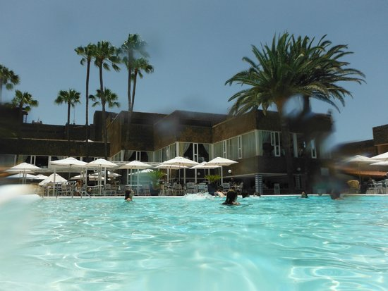 Hotel Riu Palace Oasis: from pool