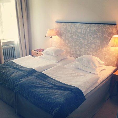 Hotel Diplomat : Supersköna sängar!