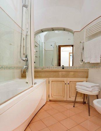 Residence Villa Degli Dei: Bathroom