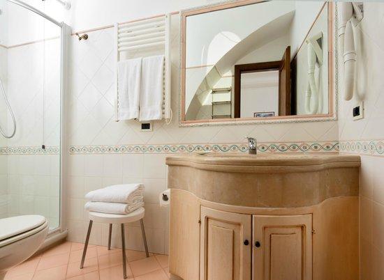 Residence Villa Degli Dei: Minerva bathroom