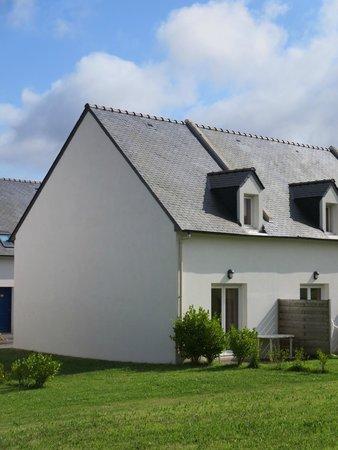 Residence Les Roches : Vue arrière de la maisonnette