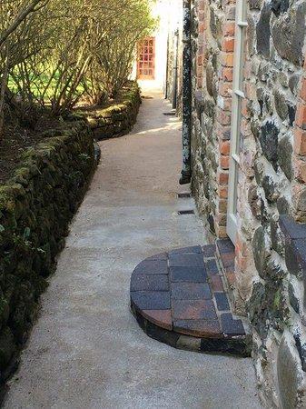 Limepark Arts Center & Cottages: Outside