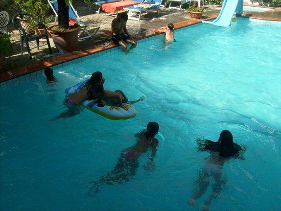 Hotel Golf : piscina