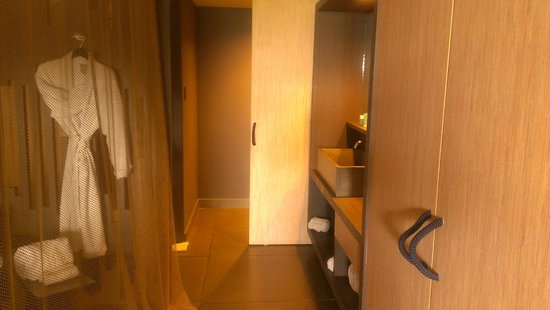 W Retreat & Spa Vieques: Enclosed bathroom