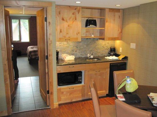 Fox Hotel & Suites: Kitchen