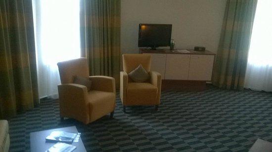 Mercure Hotel Hamburg City: das geräumige Zimmer