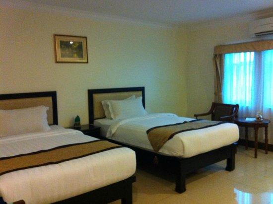 Cardamom Hotel : Twin bedroom