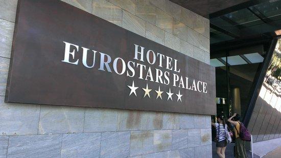 Eurostars Palace: 旅館位置離清真寺天主教堂很近。