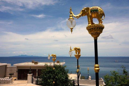 Jamahkiri Resort & Spa : Access to Rooms